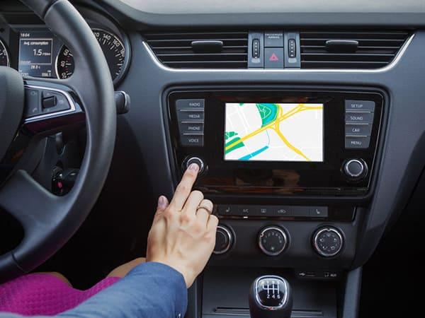 Sistemi di navigazione integrati auto